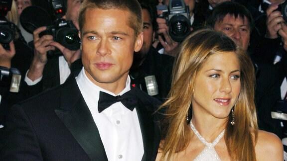 Schauspieler Brad Pitt und Ehefrau Jennifer Aniston anlässlich der Filmpräsentation von «Troy» im Rahmen der 57. Internationalen Filmfestspiele 2004 in Cannes.