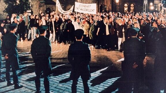 Demonstration auf dem Nikolaikirchhof in leipzig