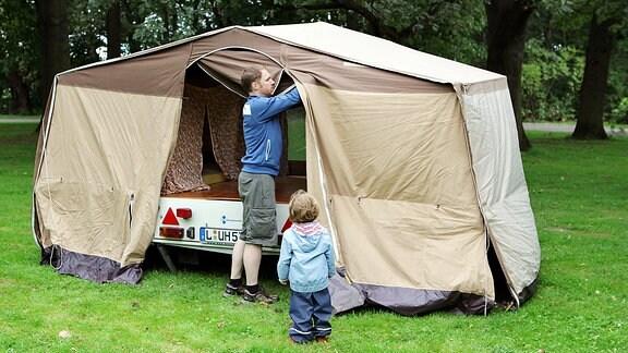 klappfix hering luftmatratze campen in der ddr mdr de. Black Bedroom Furniture Sets. Home Design Ideas