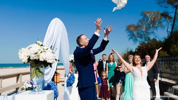 Monika und Markus heiraten am Strand des polnischen Badeortes Leba