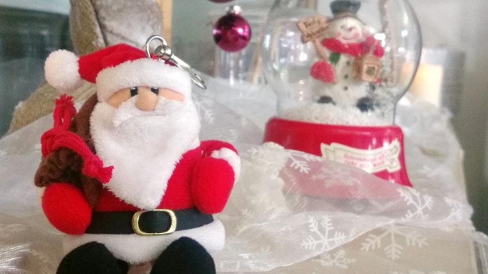 Sind Menschen, die zeitig weihnachtlich dekorieren, glücklicher?
