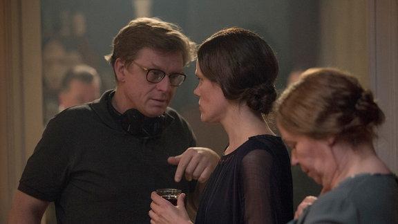 Drehbuchautor und Regisseur Henk Handloegten mit Fritzi Haberlandt (Elisabeth Behnke)