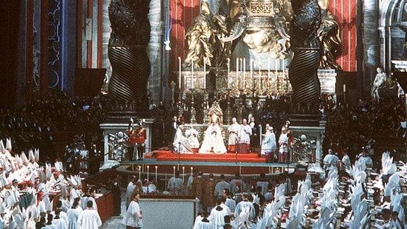 Eröffnungsgottesdienst am 11.10.1962 des Zweiten Vatikanischen Konzils im Petersdom.