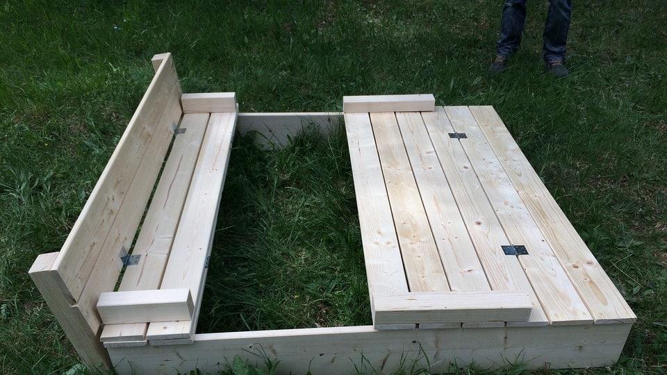 sandkasten mit sitzbank und abdeckung die anleitung zum nachbauen mdr de. Black Bedroom Furniture Sets. Home Design Ideas