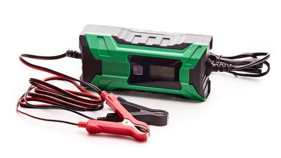 Ladegerät für Autobatterien