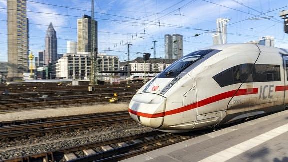 ICE4 in Frankfurt am Main.