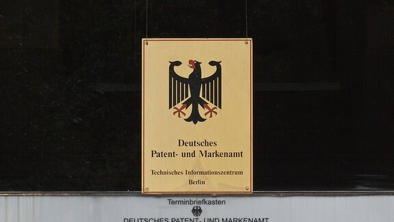 Deutsches Patent- und Markenamt mit Briefkästen, gereiht nach Wochentagen, 2012