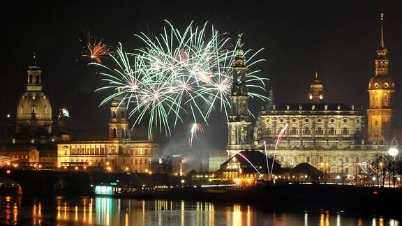 Silvesterfeuerwerk zum Jahreswechsel 2008/2009 in Dresden