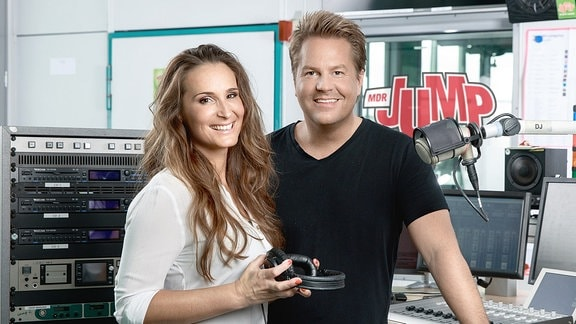 MDR JUMP Morningshow Moderatoren Sarah von Neuburg und Lars-Christian Karde