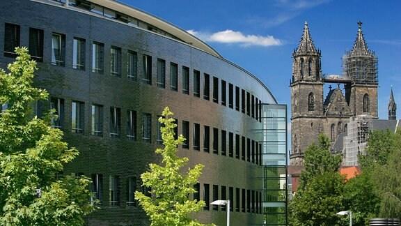 Funkhaus Magdeburg und Dom