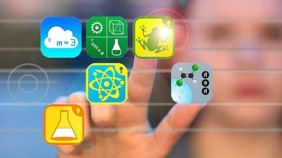 Ein Kind tippt auf App-Icons.