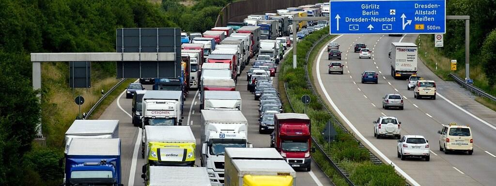 Verkehrsrecht Regeln Auf Der Autobahn Mdr Jump
