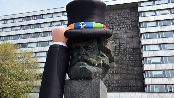 Karl-Marx-Kopf mit Hut