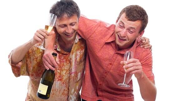 Zwei angetrunkene Männer