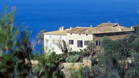 Blick auf eine Finca an der Küste Mallorcas.