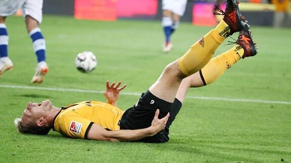 Marco Hartmann (6, Dresden) musste wegen Oberschenkelverletzung ausgewechselt werden.