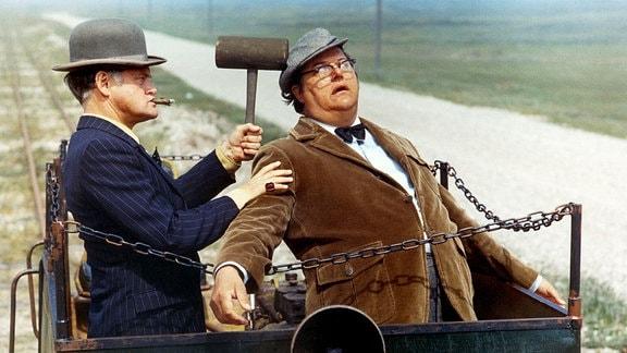 Ove Sprogöe als Egon Olsen und Poul Bundgaard als Kjeld