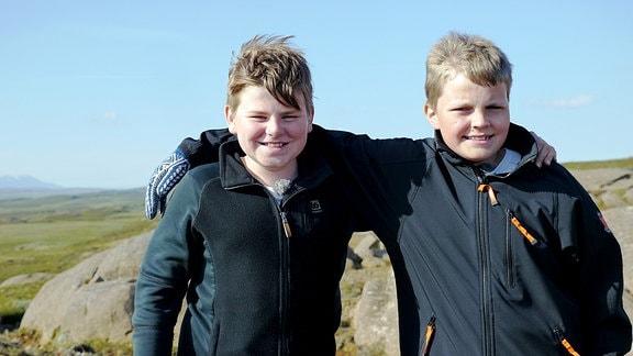 Steinar und Einar gehen zusammen zur Schule und sind beste Freunde.
