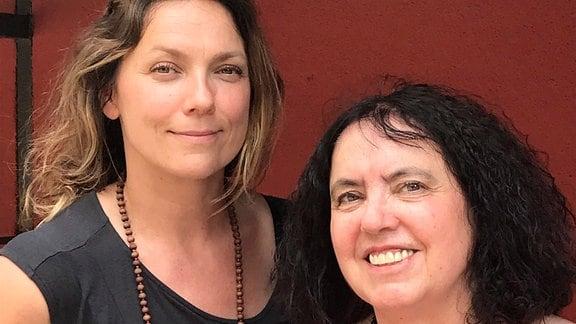 Nadja Klier (li.) mit ihrer Mutter Freya