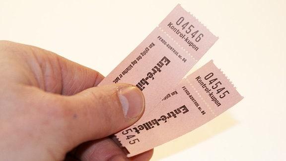 zwei Eintrittskarten