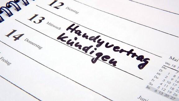 """""""Handyvertrag kündigen"""" - Eintrag in einem Terminkalender"""