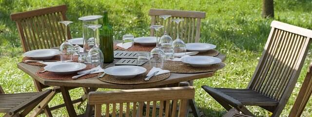 So reinigen Sie Ihre Gartenmöbel richtig | MDR.DE