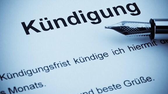 Eine Kündigung für Arbeitsplatz oder Abonnement in deutscher Sprache