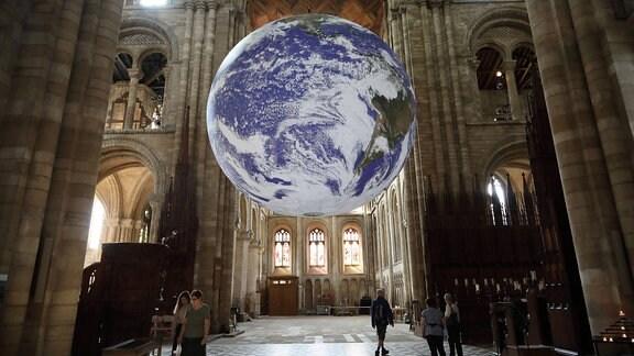 Installation Gaia von Luke Jerram