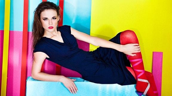 Model Anastasia Bresler mit Qmilk-Mode