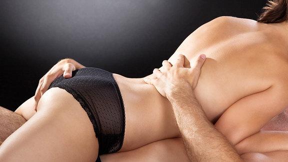 Nahaufnahme eines Paares beim Sex.